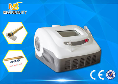 Trung Quốc 30W High Power 980nm Beauty Machine For Medical Spider Veins Treatment nhà phân phối